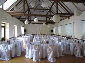 Svatební hostina v hotelu