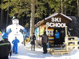 lyžiarska škola - pri každom vleku