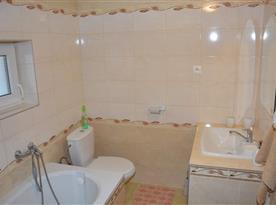 Kúpeľňa spojená s toaletou