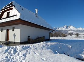 chata s panoramou Tatier v pozadi