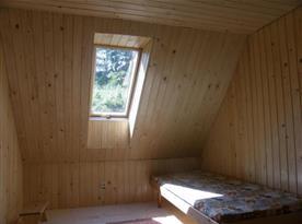 Pokoj s lůžky v podkroví