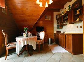 Apartmán C - jídelna s kuchyňským koutem