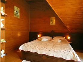 Apartmán C - pokoj s manželskou postelí