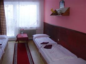 Třílůžkový pokoj s balkónem