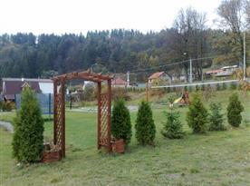 Zahrada společná i s druhým objektem