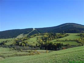 Výhled na lyžařské středisko Telgárt v létě