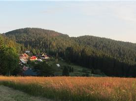 pohľad na osadu Bully....na konci  sa nachádza naša chata
