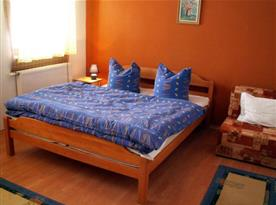 Třílůžkový apartmán - ložnice