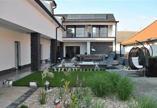 Residence STAR House