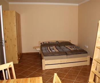 Apartmán č. 1 - ložnice s manželským dvoulůžkem