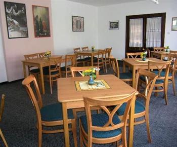 Společenská místnost s možností konání seminářů a školení