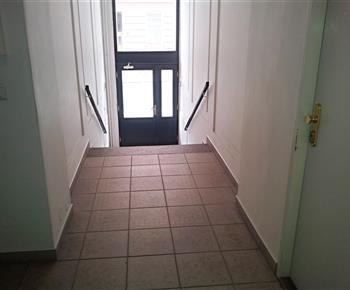 vchod a chodba z ulice