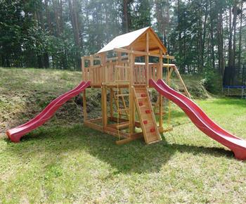 Naši malí návštěvníci mohou využít dětské hřiště v areálu