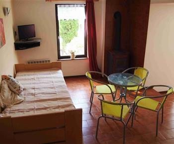 Obývací pokoj s jedním lůžkem 90*200cm a přistýlkou 80*190cm
