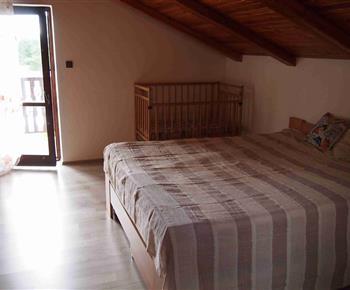 Ložnice s manželskou postelí160*200cm  a dvěma přistýlkami o rozměru 80*190cm