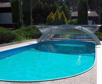 Zastřešený bazén 10*4m s protiproudem