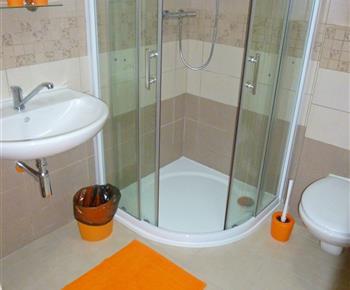 Oranžový pokoj č. 1 - koupelna