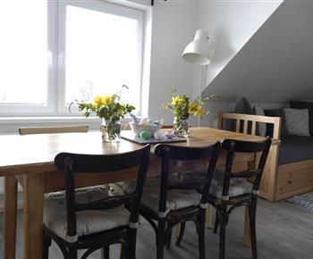 Apartmán B - jídelní kout