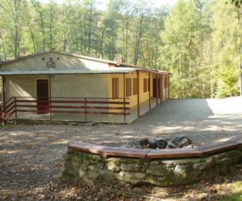 Celkový pohled na chatu z horní strany