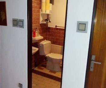 WC a sprchový kout