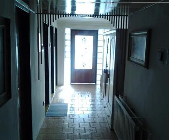 chodba před pokojem