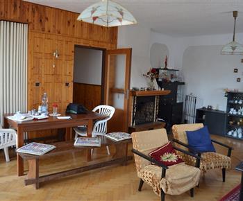 Chata Železnice - obývací pokoj 2