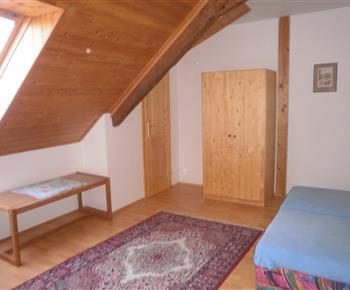 Malá podkrovní ložnice