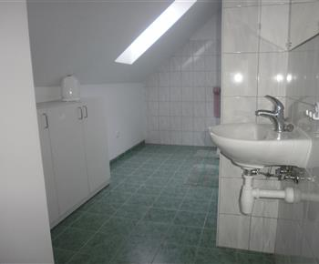 Koupelna, WC - podkroví
