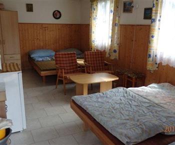 Čtyřlůžkový pokoj v 8 l. chatě