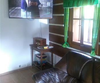 TV v hlavní místnosti
