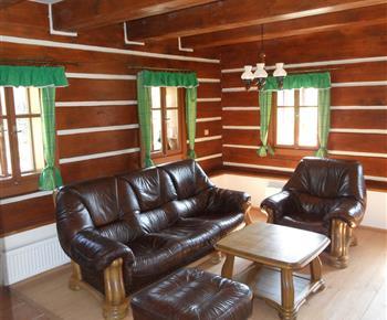 Sezení v hlavní místnosti