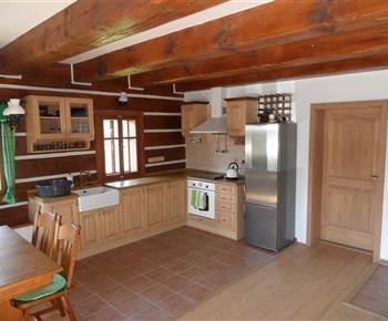 Kuchyně v hlavní místnosti