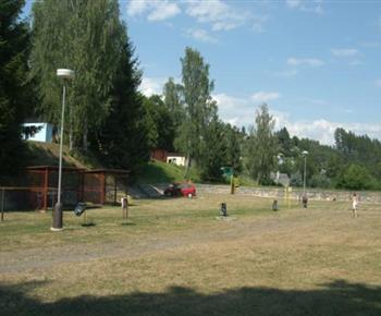 Postředí kempu vhodné pro školní výlety a školy v přírodě