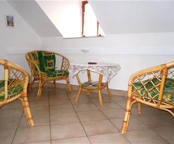 raran. sezení v podkroví
