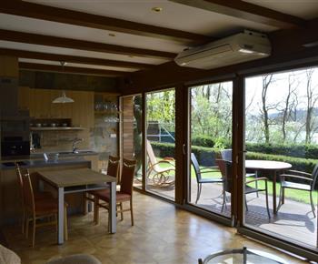 Kuchyń a vstup na terasu