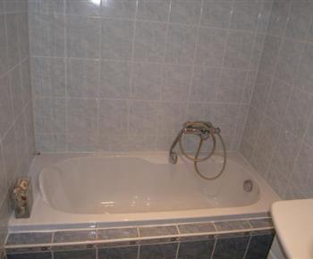 Vana v koupelně v patře