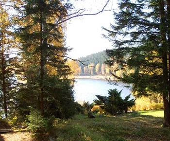 Výhled z objektu na přehradu