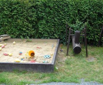 Pískoviště na zahradě u chalupy