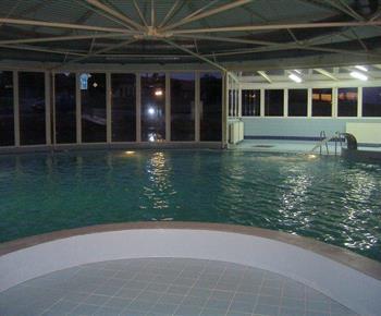 Krytý bazén v obci Nová Ves
