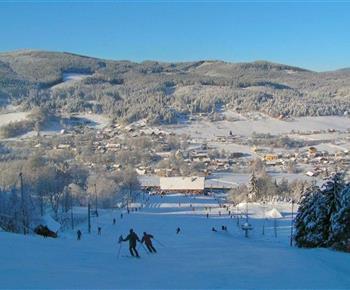 Ubytování se nachází 300 m od skiareálu