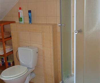Koupelna se sprchovým koutem (A)