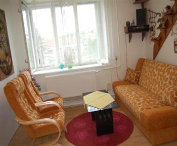 Pokoj A s rozkládací sedačkou