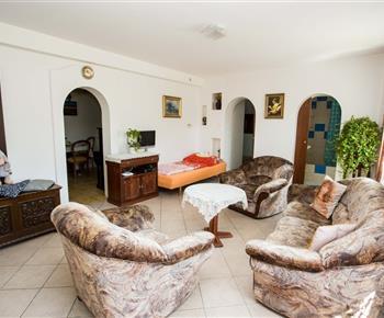 Celkový pohled na obývací pokoj