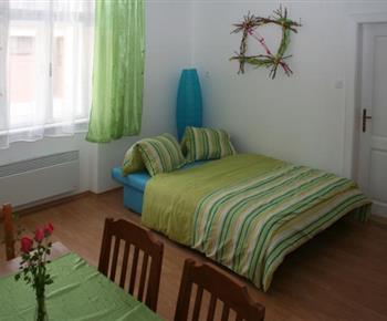 Šestilůžkový apartmán - obytná místnost s rozkládací pohovkou