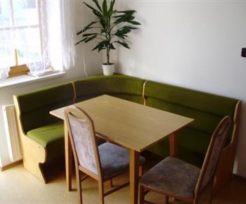 Apartmán A - jídelní kout
