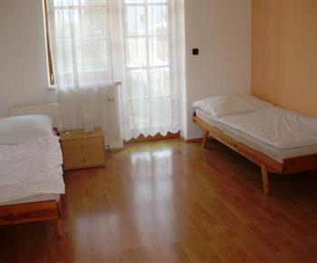 Apartmán A - pokoj s lůžky