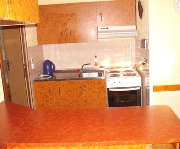 Kuchyně v apartmánu B