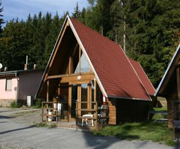 Chata FINLANDIA s příslušenstvím a kuchyňkou