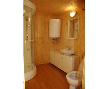 Luxusní chata MARTIN - koupelna se sprchovým koutem