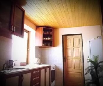 Vybavená kuchyně apartmánu